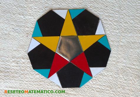 Pattern blocks piezas extra. Teselación irregular de pentágonos y triángulos